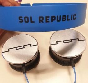 Sol Republic Tracks HD - Analie Cruz