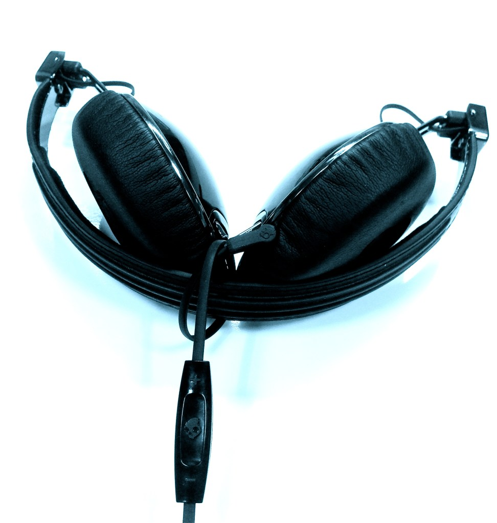 Skullcandy Navigator On-Ear Headphones Review - Analie Cruz - Tech We Like -  Folded With Cable