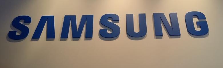 Samsung Galaxy Camera 2 - CES 2014 - Analie Cruz 4