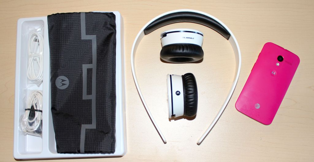 Sol Republic x Motorola Tracks Air Headphones Review - Analie Cruz - Tech WE Like Package Contents and Moto X 1