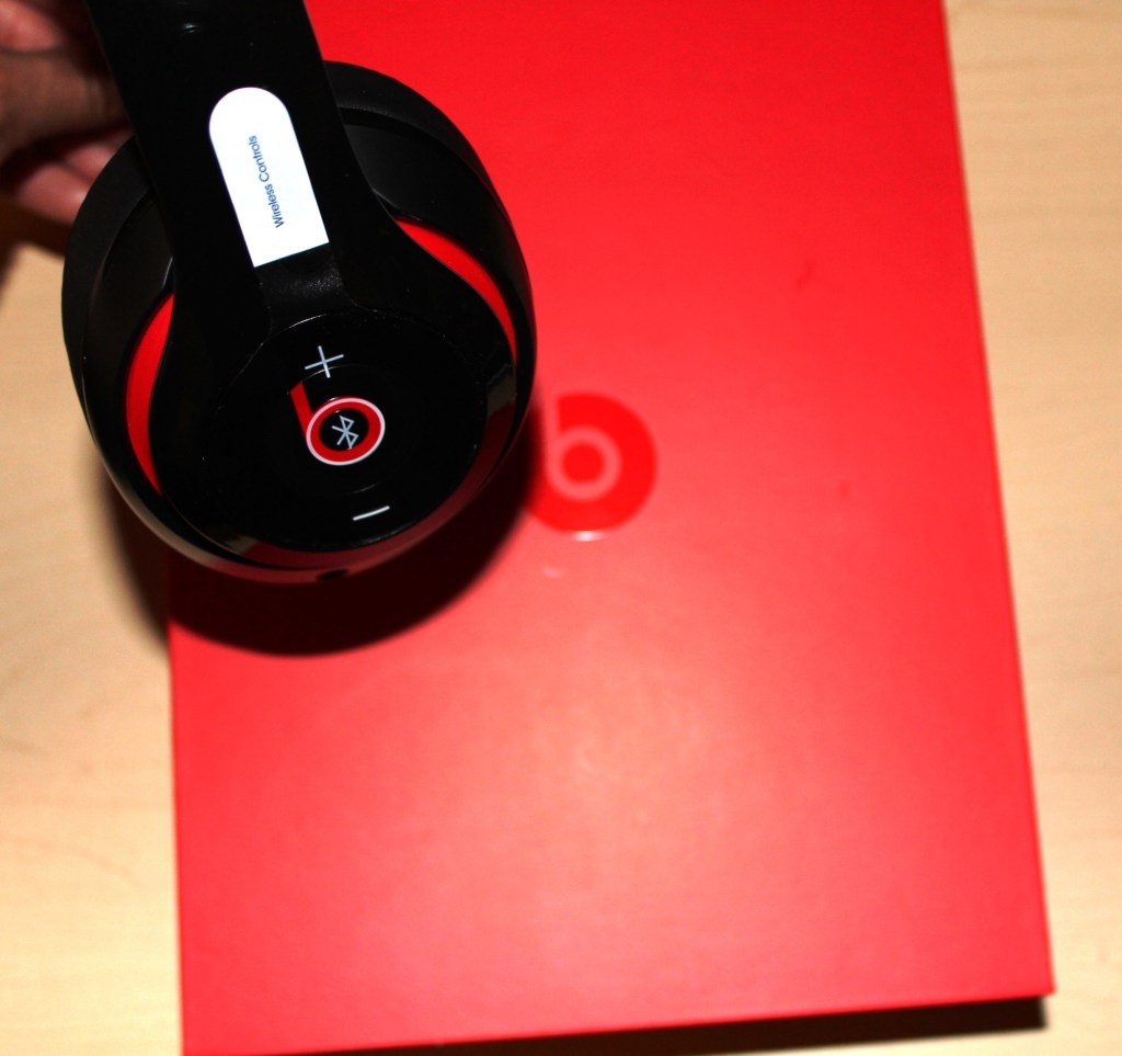 Beats Studio Wireless Headphones Review - Beats by Dre - Tech We Like - Cruz (26)