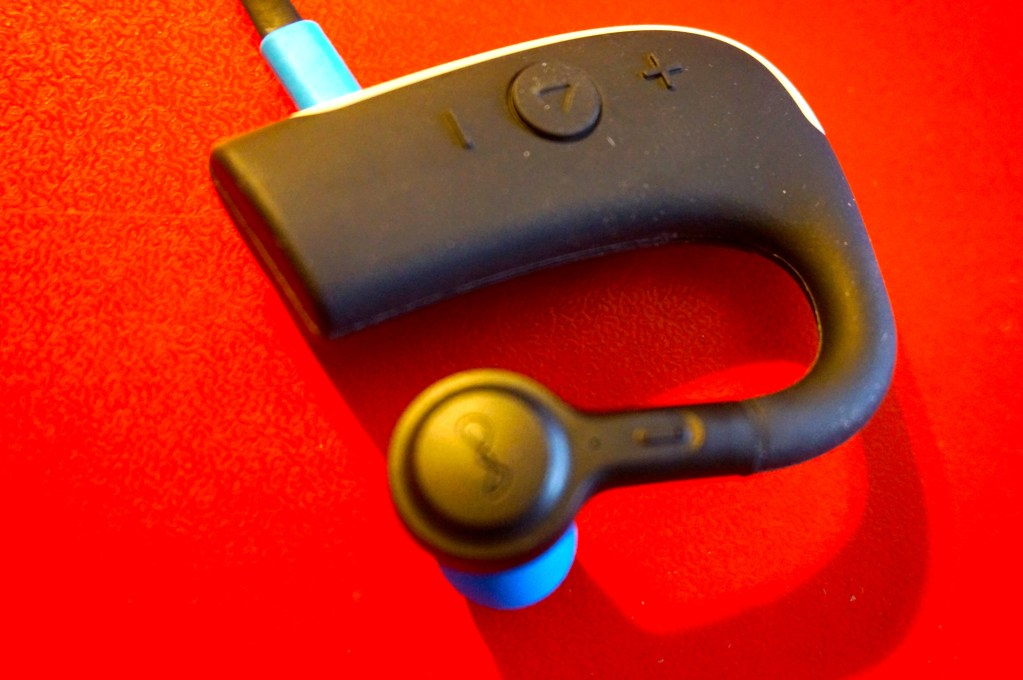 blueant pump hd sportbuds headphones review waterproof goes wireless. Black Bedroom Furniture Sets. Home Design Ideas