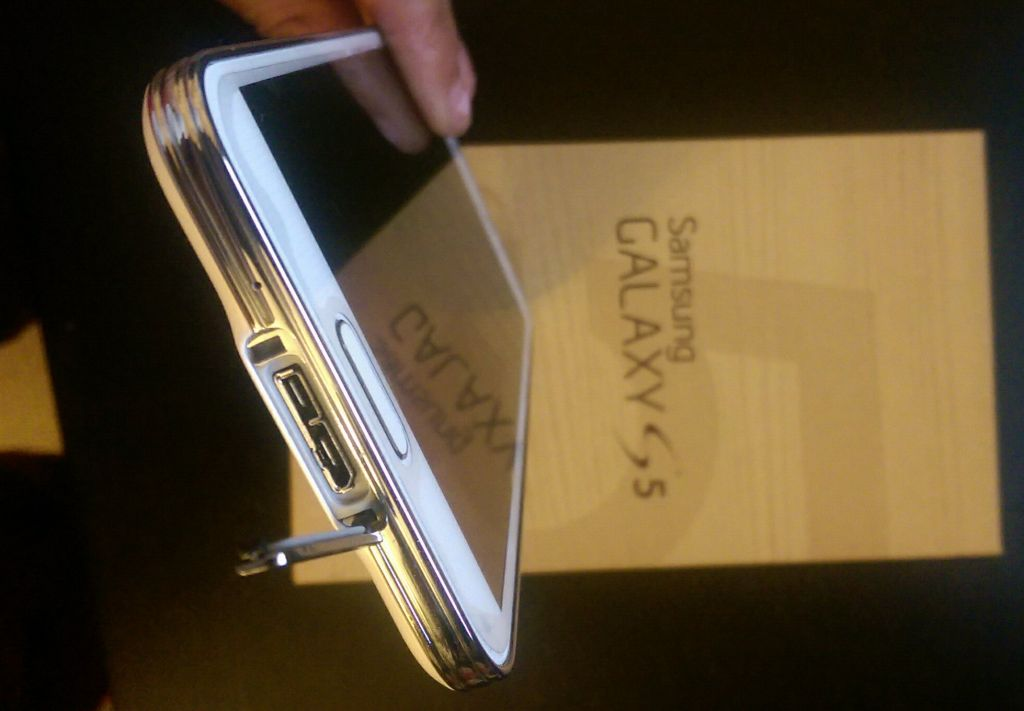 Samsung Galaxy S5 - S 5 Official Review - Tech WE Like - CRUZ (2)