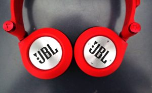 JBL Synchros E40BT Headphones Review Official - On-Ear -Tech We Like (10)