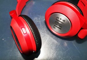 JBL Synchros E40BT Headphones Review Official - On-Ear -Tech We Like (16)