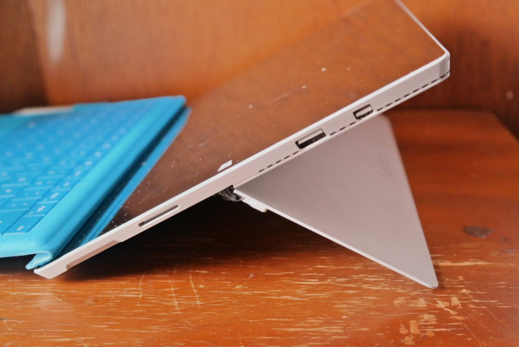 Microsoft Surface Pro 3 2-in-1 Review - Kickstand 7