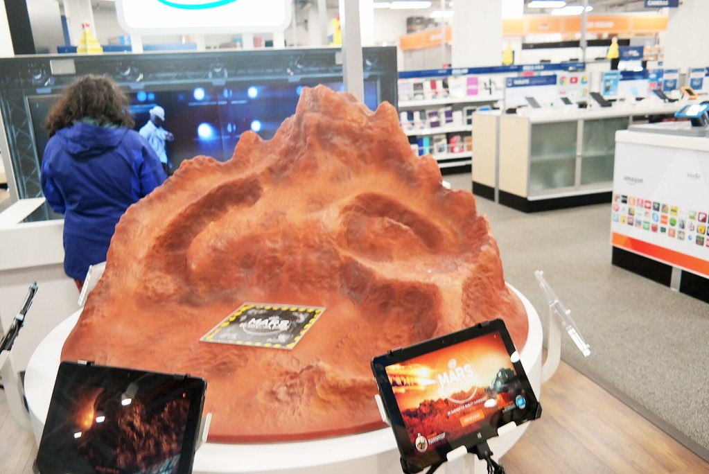 Intel Experience at Best Buy - Mars augmented reality game Analie Cruz (10)