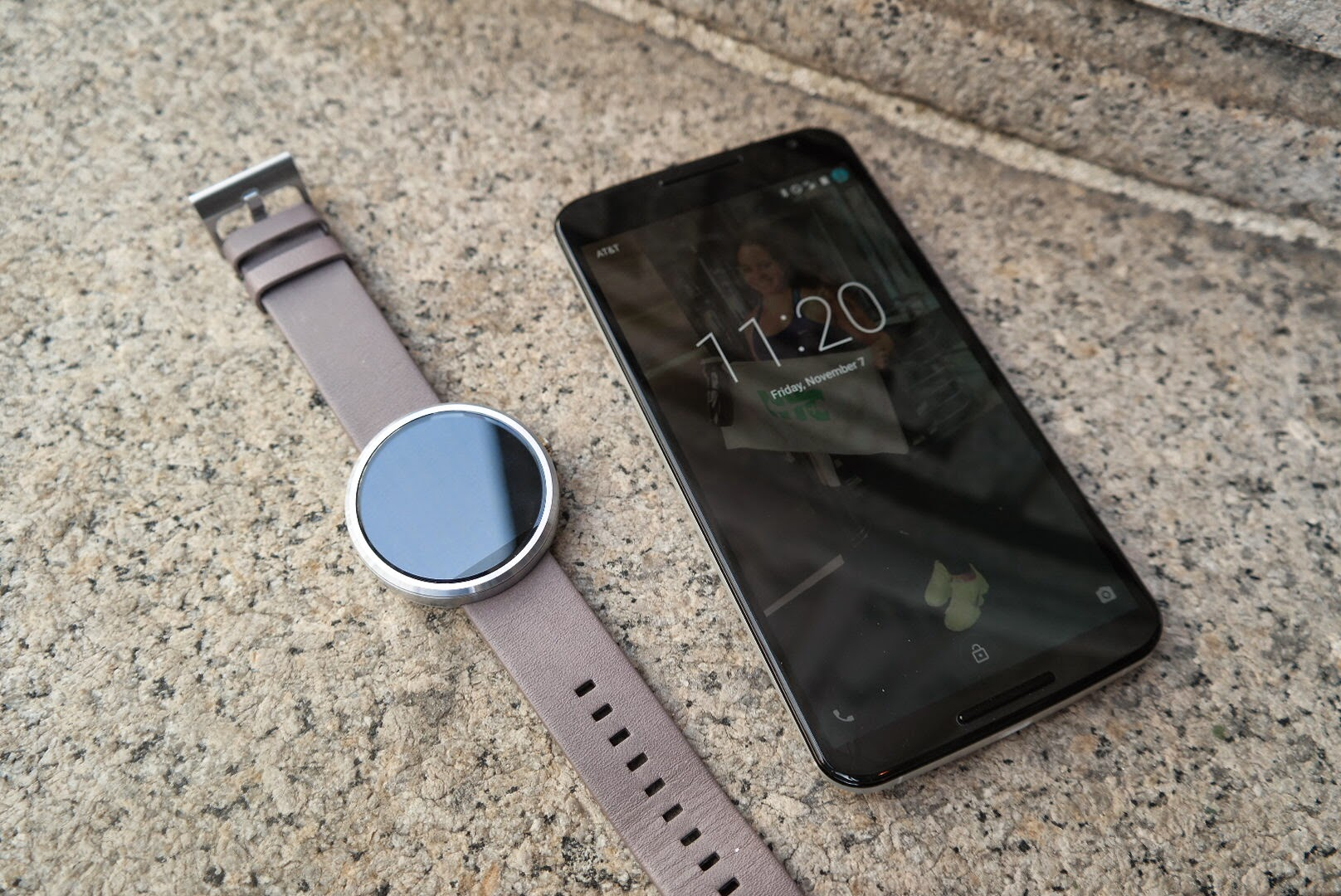 Motorola Moto 360 Smartwatch Review - Android Wear Is ...