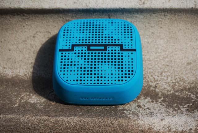 SOL REPUBLIC PUNK Wireless Bluetooth Speaker Review - Analie Cruz  (3)