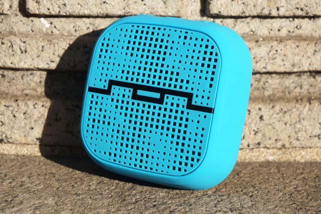 SOL REPUBLIC PUNK Wireless Bluetooth Speaker Review - Analie Cruz  (6)