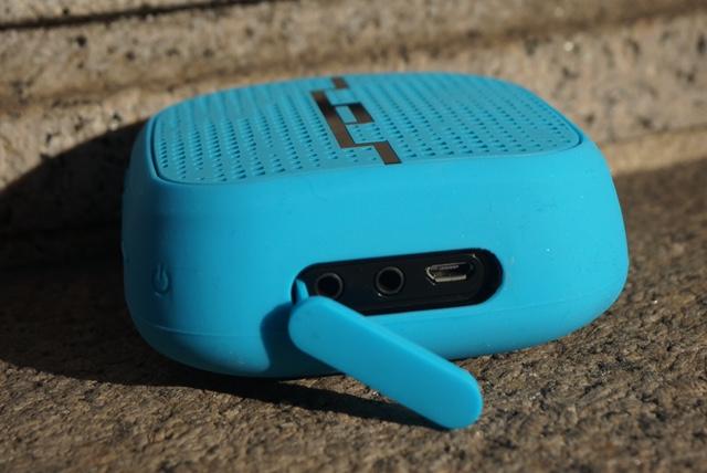 SOL REPUBLIC PUNK Wireless Bluetooth Speaker Review - Analie Cruz  (7)